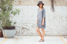 Sami Hat Hemp, Black. Giselle Dress Cottton Voile, Grey. Ebe Sandals Grey.