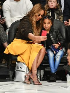 Beyoncé and Blue Ivy Carter (Photo by Allen Berezovsky/Getty Images) via @AOL_Lifestyle Read more: https://www.aol.com/article/entertainment/2018/02/19/nba-all-star-game-2018-celebrity-sightings/23365311/?a_dgi=aolshare_pinterest#fullscreen