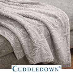 Sure to become your new favorite blanket, in trendy neutral colors! - Longford Cotton Jacquard Blanket (Autumn 2019) #starburst #blanket #neutralcolors #cotton