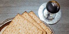 Passover Wishes, Passover Greetings, Facebook Image, For Facebook, Happy Passover Images, Kosher Wine, Book Of Exodus, Jewish Festivals, Religious Images