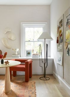 EyeSwoon founder Athena Calderone renovated a Cobble Hill townhouse together with designer Elizabeth Roberts into a wonderful bright forever home. Home, Inspired Homes, Athena Calderone, Interior, Home Improvement Loans, Trending Decor, Home And Family, Vintage Floor Lamp, Architectural Digest