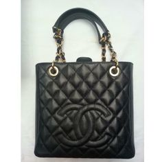 f76a12e91690 Tip  Chanel Shoulder Bag (Black)
