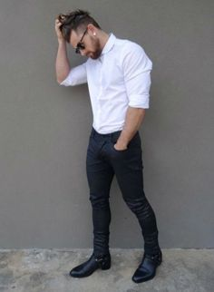 Royal Fashionsit is the best Men's Fashion Guide. Here you will find the latest trends on men's style. Get inspired with these outfits and leave your comment below. Justin Bieber Moda, Mode Man, Style Masculin, Mein Style, Herren Outfit, Hommes Sexy, Jean Shirts, Denim Shirts, Shirts For Men
