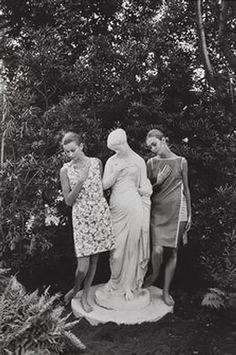 Harper's Bazaar, 1962    Photo by Jeanloup Sieff