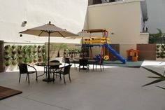 Condomínio Residencial Paraíso. Área de lazer com playground para as crianças.
