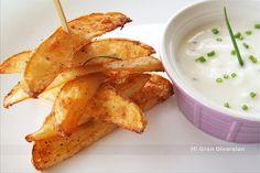 """Estas patatas tanto se conocen por el nombre de """"cajún"""" como """"deluxe"""". Las he hecho al horno, por eso del tema de los fritos y se pueden..."""