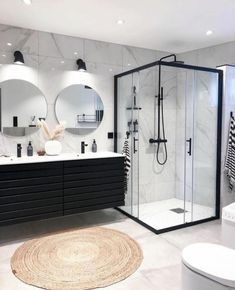 Modern bathroom design 358106607871086439 - Bathroom Inspiration // Casachicks Source by citechic Dream Bathrooms, Beautiful Bathrooms, Small Bathroom, Bathroom Ideas, Bathroom Black, Bathroom Organization, Bathroom Inspo, Bathroom Tile Walls, Black Bathtub