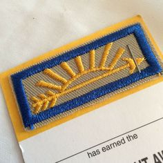 BSA Arrow of Light Award Patch 2001 Blue Yellow Sunshine Arrow Cub Boy Scouts Arrow Of Light Award, Order Of The Arrow, Arrow Of Lights, Scout Badges, Scouts Of America, Vintage Boys, Metal Pins, Cool Items, Girl Scouts