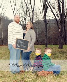 Family Christmas Pictures #Family #Christmaspictures #funny #PearcePhotography