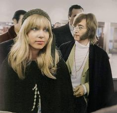 Pattie Boyd pictured with John Lennon, February 1968 Pattie Boyd, Ossie Clark, Wonderful Tonight, Something In The Way, John Lennon Beatles, Jhon Lennon, Beatles Photos, George Harrison, Harrison Ford