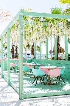Outdoor Restaurant Design, Decoration Restaurant, Restaurant Interior Design, Backyard Restaurant, Outdoor Cafe, Outdoor Spaces, Outdoor Living, Outdoor Decor, Cafe Design