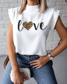Estilo Fashion, Look Fashion, Ideias Fashion, Womens Fashion, Fashion Models, Casual T Shirts, Casual Tops, Cropped Tank Top, Crop Tops
