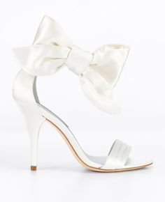 Classy, soft  and feminine Jackie Bow Sandals.  @Ann Taylor @Style Me Pretty