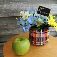 DIY crayon vase!