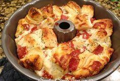 Pizza monkey bread - Easy Pull Apart Pizza Bread (Our Favorite Recipe) – Pizza monkey bread Pizza Recipes, Appetizer Recipes, Cooking Recipes, Pizza Flavors, Bread Recipes, Easy Recipes, Pizza Appetizers, Kraft Recipes, Think Food