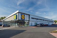 Lidl Auvelais #Stadsbader #Building #retail #lidl Lidl, Building Department, School Building, Retail, Sleeve, Retail Merchandising