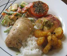 Velkommen til Kjøkkenkroken: Kyllingfilet med pesto, fetaost og soltørket tomat...