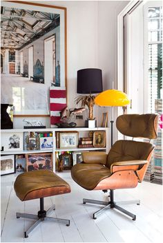 Vintage Eames lounge chair paired with modern and vintage pieces in Barcelona apartment.  ‹ Menossi Fotografo