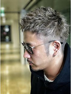 スワン サッポロ(SWAN sapporo) IKEIKE Old Man Fashion, Asian Men Fashion, Short Hair Cuts, Short Hair Styles, Grey White Hair, Asian Men Hairstyle, Top Hairstyles, Wild Hair, Gentleman Style