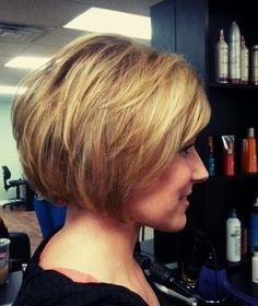 Chic Layered Bob Haircut for Thick Hair -  I love this!  Now, if I could only convince my husband...