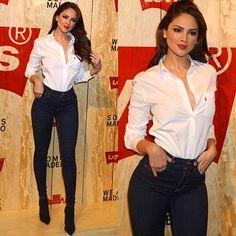Eiza Gonzales in Levi's. Suits For Women, Sexy Women, Gal Gabot, Denim Fashion, Womens Fashion, Estilo Denim, White Shirts, Shirt Outfit, Sexy Dresses