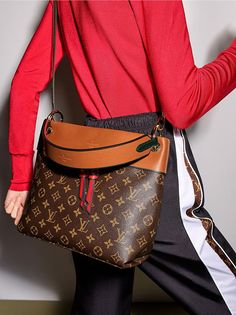 Fashion Designers Louis Vuitton Outlet, Let The Fashion Dream With LV Handbags At A Discount! New Ideas For This Summer Inspire You, Time To Shop For Gifts, Louis Vuitton Bag Is Always The Best Choice, Get The Style You Love From Here. Burberry Handbags, Gucci Handbags, Fashion Handbags, Purses And Handbags, Fashion Bags, Designer Handbags, Tote Handbags, Handbags Online, Trendy Fashion