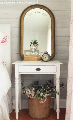urban farmgirl: cabbages & roses guest room