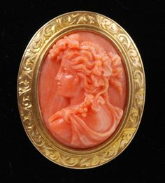 Pink Coral Cameo Set Mounted into a 14k Gold Pin : Lot 1066