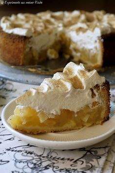 Apfel-Schmand-Torte mit Sahne-Schmand-Creme und butterreichem Mürbeteig