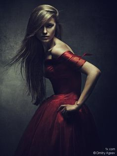 Always loved this dark look and the splash of red to break it up is a nice touch
