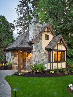 How cute is that!!!???!!!  Alan Mascord Design Associates Inc.   257 Sq. Ft. - it's Plan 5033 - The Bucklebury. You can view details at http://houseplans.co/house-plans/5033/""