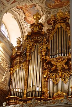 Passau Organ, reminds me of my brother Brandon who owns a company (one of the last) that builds, tunes, voices, installs et al this type of amazing instrument (instrument doesn't fit for some reason, it's like a thousand instruments)