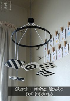 black and white baby mobile….naptime… black and white baby mobile…. Cool Baby, Baby Wallpaper, Baby Play, Baby Toys, Mobile Montessori, Montessori Toddler, Baby Lernen, Newborn Nursery, Black And White Baby