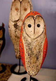 Barn owls- maybe make with polymer clay? Art Sculpture En Bois, Bird Sculpture, Sculptures, Owl Art, Bird Art, Wood Carving Art, Owl Crafts, Art Carved, Ceramic Animals