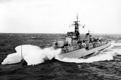 Vietnam Conflict, Royal Australian Navy Warship either Vampire or Vendetta. International Conflict, Royal Australian Navy, Naval History, Navy Man, Military Police, Navy Ships, Aussies, Royal Navy, Vietnam War