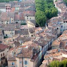 Life is rosé for Expats in Cotignac Provence