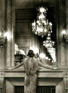 chateau-de-luxe:  mimbeau:  Molyneux studio Paris 1934 Alfred...