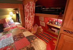 Bedroom with places for kids - RV    Happy Janssens