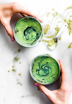 Spirulina Smoothies - 16 HEALING RECIPES to create your nourishing MEAL PLAN. This recipe round up is full of AIP friendly, Paleo anti-inflammatory, and/or Whole 30 compliant recipes for breakfast, lunch, dinner, and more!