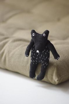 The Black Bear. Brooch The Black Bear Brooch by Adatine is made from 100 % Lithuanian linen - how cute is this little guy? Softies, Fru Fru, Textiles, Art Textile, Little Doll, Soft Sculpture, Black Bear, Handmade Toys, Doll Toys