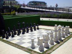 Resultados de la Búsqueda de imágenes de Google de http://www.elentretiempo.com/wp-content/uploads/2012/09/Tablero-Ajedrez-Gigante.jpg