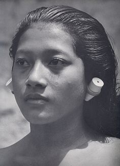 Bali (Wattana) Steve Mccurry, We Are The World, People Of The World, Vintage Photographs, Vintage Images, Old Pictures, Old Photos, Pretty People, Beautiful People
