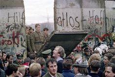 Fall of the Berlin Wall, November 1989. [1240x832] : HistoryPorn
