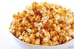 Taco Popcorn {Gimme Some Oven} Flavored Popcorn, Gourmet Popcorn, Popcorn Recipes, Dog Food Recipes, Snack Recipes, Homemade Popcorn, Popcorn Bar, Savory Snacks, Healthy Snacks