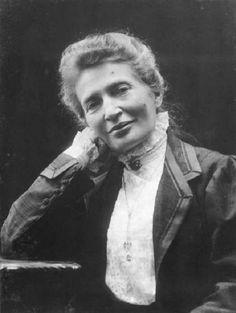 La médica y anarquista Anna Kulishova (1855-1925) nació un 9 de enero