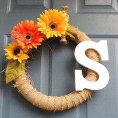 Burlap wreath with letter.