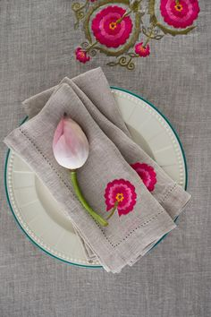 A TOUCH OF CULTURE, A DASH OF SPRING The 'Kokand' table linen is a tribute to the rich cultural #heritage of the city famous for its splendid palace of Khudáyár Khán. Inspired by the colours and textile traditions from the crossroads of the #SilkRoute, the table linen features embroidered #suzani inspired butah motifs. The design story includes table cloths and napkins in handspun linen. Available across all Good Earth shops. #InBloom #Samarqand