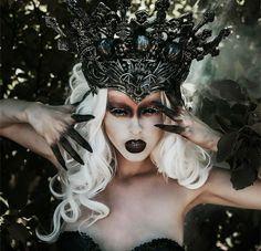 Dark Fairy Makeup, Demon Makeup, Witch Makeup, Sfx Makeup, Dark Fantasy Makeup, New Halloween Costumes, Halloween Makeup Looks, Dark Fairy Costume, Mode Baroque