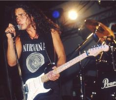 Chris Cornell Nirvana, Chris Cornell Young, Temple Of The Dog, Audio, Dave Grohl, Celebs, Celebrities, Kurt Cobain, Music Artists