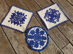 SET of 3 pieces Hand woven doily natural linen folklore blue